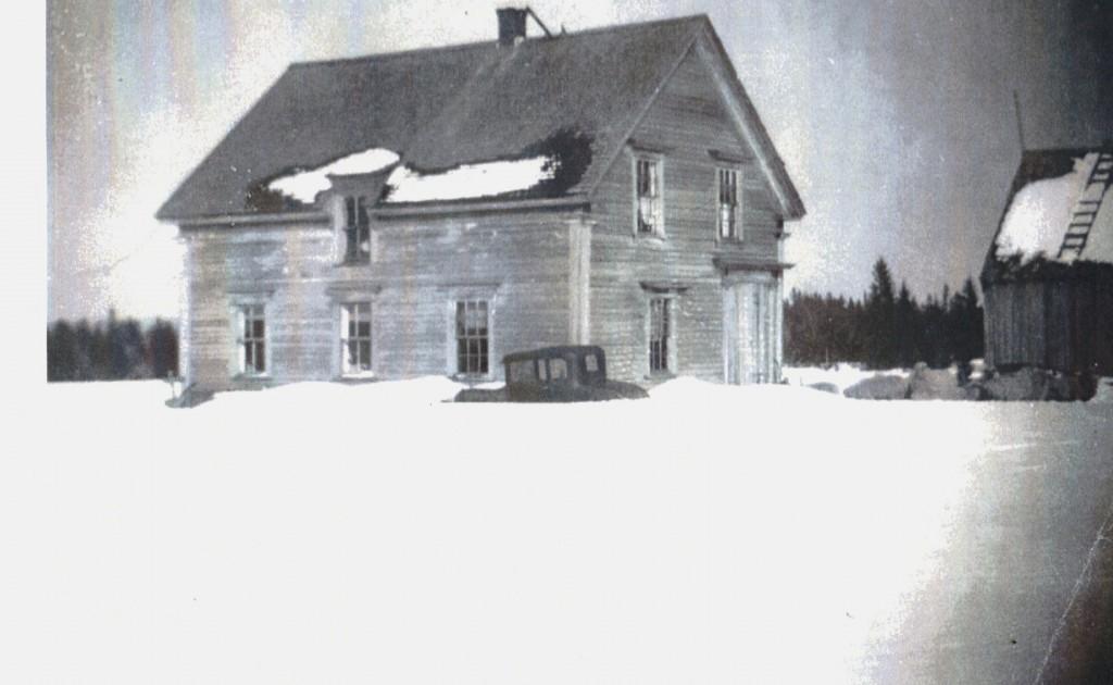 Lynn House of Charles Lewis D.B. Lewis Heman and Winneford Lewis Taken is 1944 Karl Lewis' car in foreground.